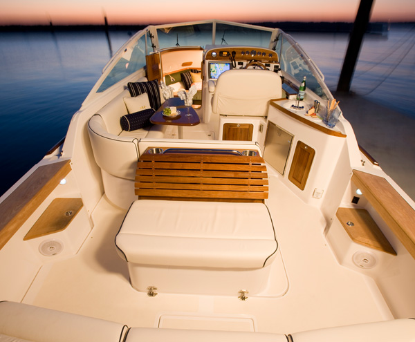 Harrier 29 Outboard boats feature more space on deck and below with an inviting cockpit and on-deck galley seating 12 comfortably.